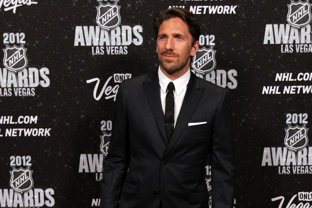 Henrik Lundqvist to Wait Before Committing to Sweden