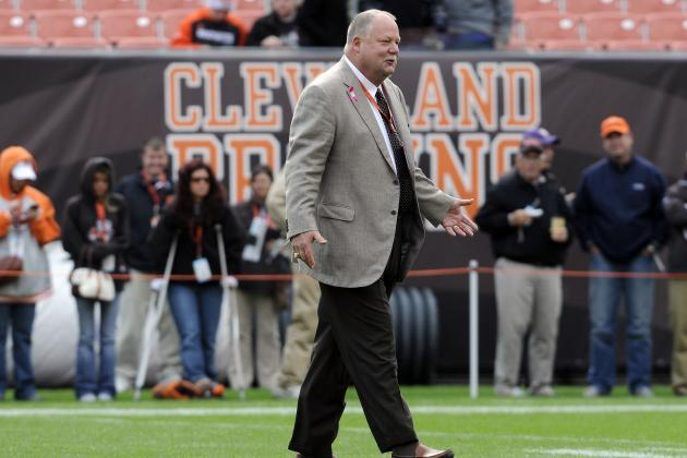 Browns Oust Holmgren, Who'll Retire from NFL