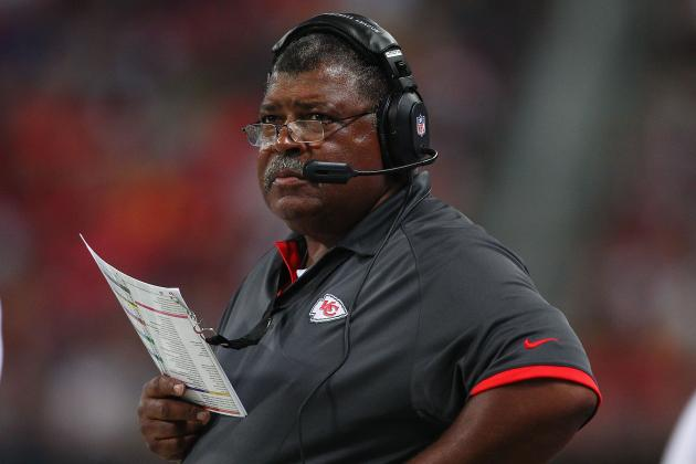 Scott Pioli's Job Is Safe, but Chiefs Fans Better Hope Romeo Crennel's Isn't