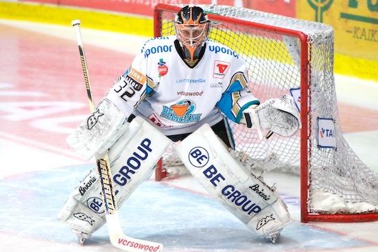 Flyers Goalie Prospect Hovinen Injures Collarbone