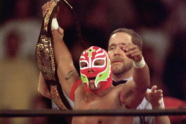 WWE News: Rey Mysterio Makes First Comments About His Illness