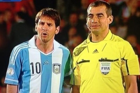 WATCH: Linesman Requests Picture with Messi