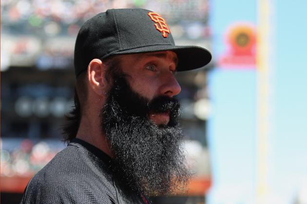 SF Giants Closer Brian Wilson Throws a Ball for First Time Since Surgery