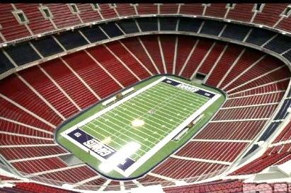 Giants Fan Builds 17-Foot Replica of Giants Stadium