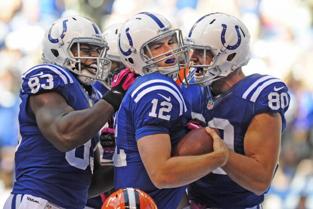 Luck's two TD runs help Colts edge Browns