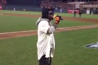 Lil Wayne Leads AT&T Park in 'Take Me Out to the Ballgame'