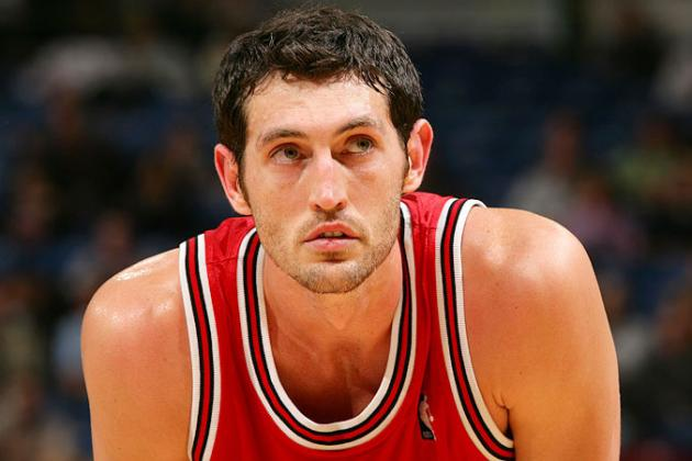 Hinrich Leaves Game vs. Bobcats with Groin Injury