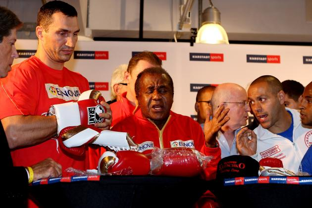 W. Klitschko Replaces Ailing Trainer for Defense