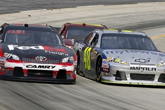 Hamlin, Johnson Shine at Martinsville