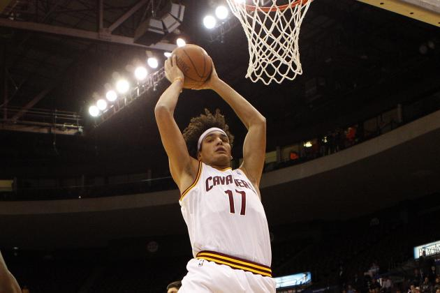 Cavaliers Notes: Anderson Varejao Back at Power Forward