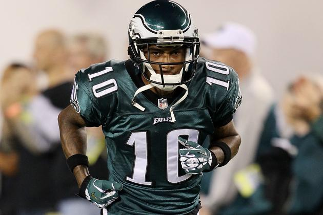 DeSean Sent to Locker Room with Undisclosed Injury