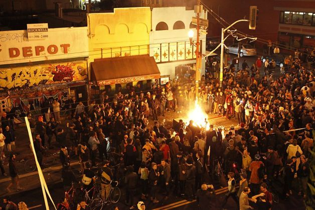 San Francisco Giants Fans Go Wild in Post-World Series Celebrations