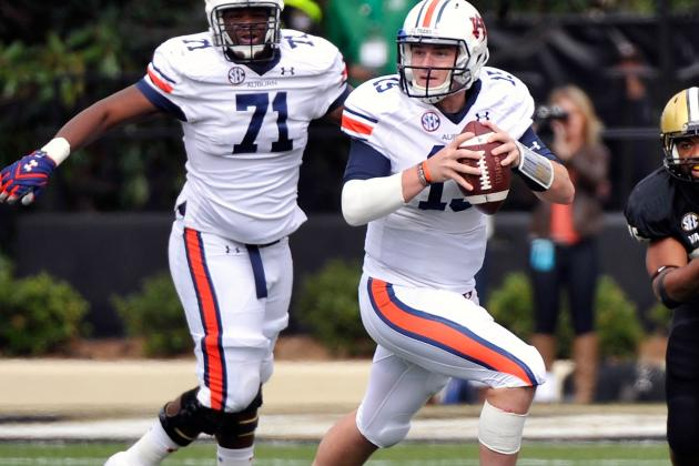 Clint Moseley 'Big Question Mark,' Philip Lutzenkirchen Walking Around