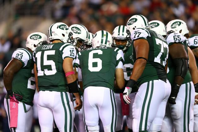 Tim Tebow, Mark Sanchez Know Their Places in the Jets Locker Room