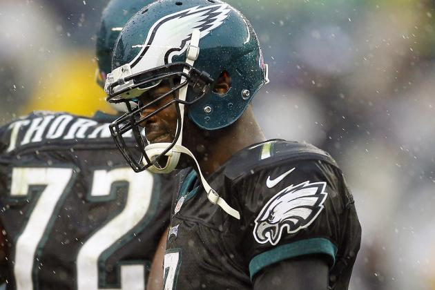 Reports: Eagles Decide to Stick with Vick at QB