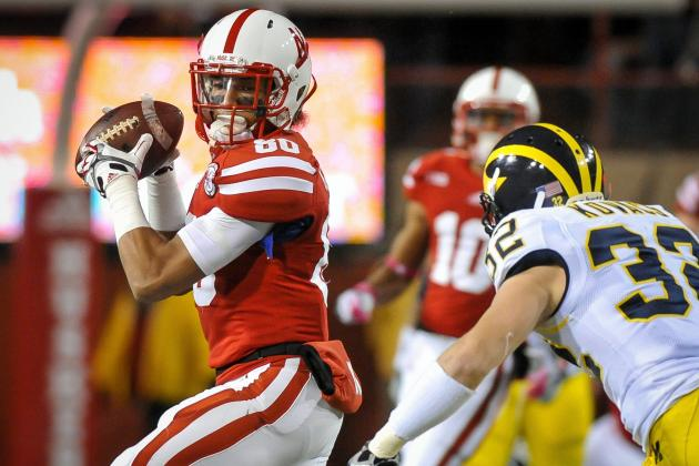 Kenny Bell & NU Receivers Lend Martinez a Hand