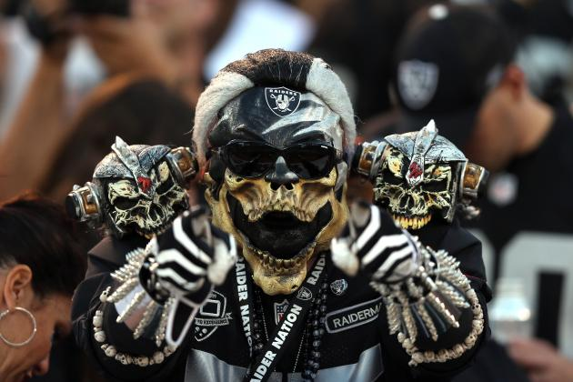 Tampa Bay Buccaneers vs. Oakland Raiders: The Curse of the Black Hole