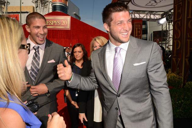 Tebow Spotted at Florida Hotspot With Rumored Girlfriend