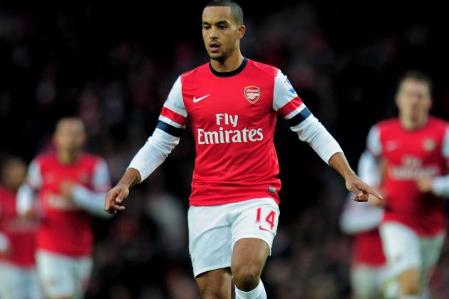 Arsene Wenger Wants Theo Walcott's Arsenal Future Resolved by Christmas