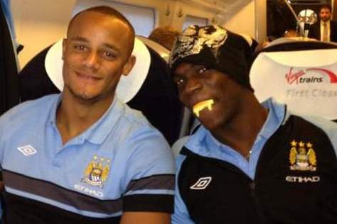 Count Balotelli Does His Fang for Manchester City