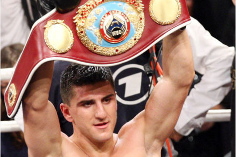 Marco Huck Beats Firat Arslan by Unanimous Decision