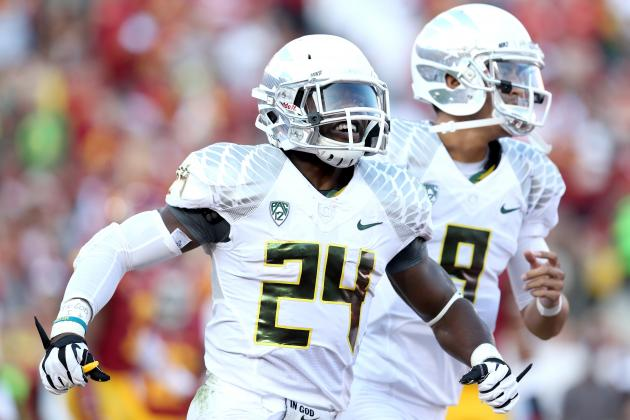 No. 4 Oregon Defeats No. 17 USC in High-Scoring Pac-12 Clash
