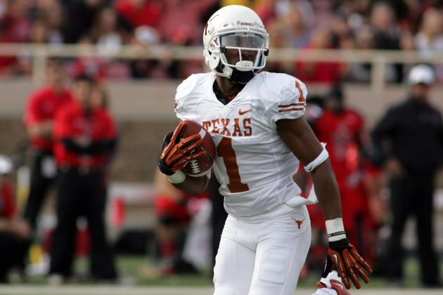 Big-Play Pairing of Ash, Davis Lead Longhorns Past Red Raiders
