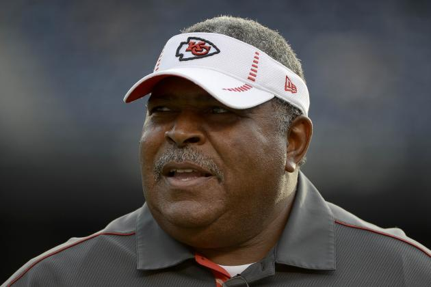 Debating Whether Romeo Crennel Should Stay or Go for the Kansas City Chiefs