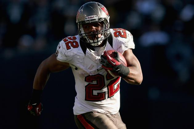 Doug Martin: Buccaneers Star RB Sealed Rookie of the Year Award in Week 9