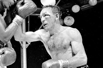 Carmen Basilio, Who Beat Sugar Ray Robinson, Dies