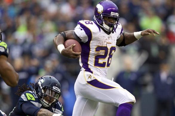 Minnesota Vikings: Adrian Peterson Having Career Season, Proving Doubters Wrong