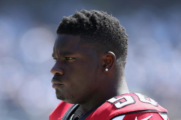 Falcons' Weatherspoon Out Another Week