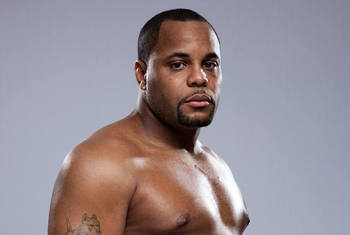 Daniel Cormier on Jon Jones: 'I Have Fought Tougher Opponents at This Stage'