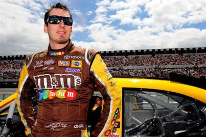 Kyle Busch Wins Pole, but All Eyes on Johnson, Keselowski