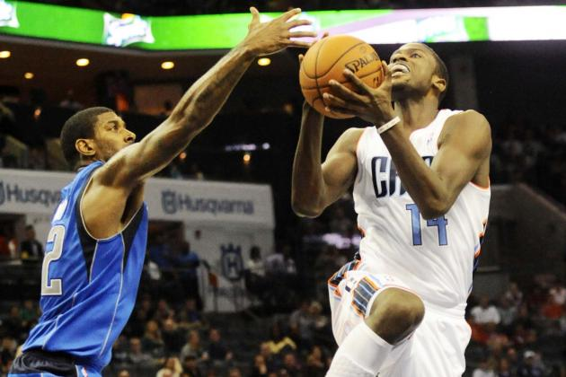 Watch Kidd-Gilchrist Scores with One Shoe