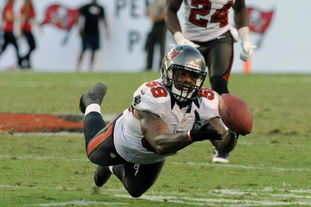 Quincy Black, Bucs LB, Carted off Field Following Helmet-to-Helmet Hit