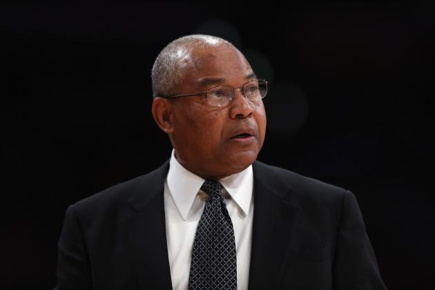 Why Lakers Must Stick with Bernie Bickerstaff for Now, Chase Phil Jackson Later