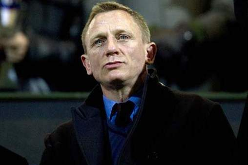 Sir Alex Ferguson Offers Man United Tickets to Daniel Craig, Is Turned Down