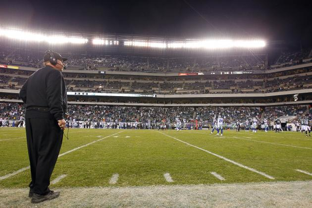 """Eagles Fan 'Sign Man' Told to Take Down """"Andy Quit"""" Sign Due to Size"""