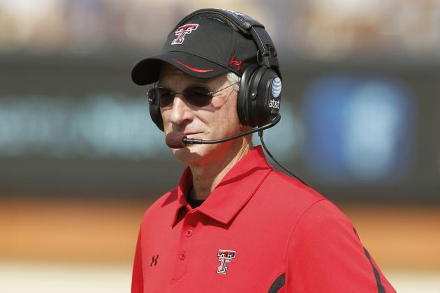 Tuberville Apologizes for Sideline Incident with Staff Member