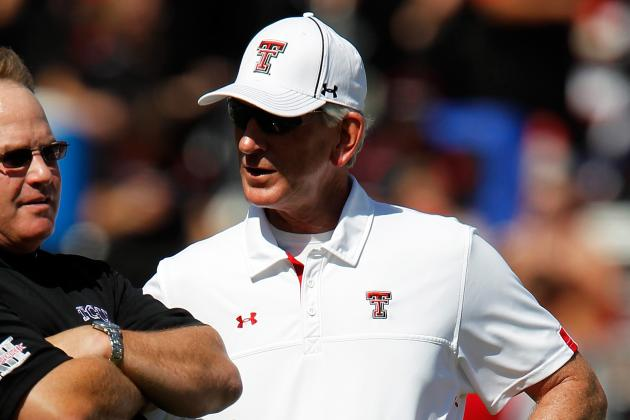 Tommy Tuberville Must Be Disciplined for Slapping Headset off Assistant