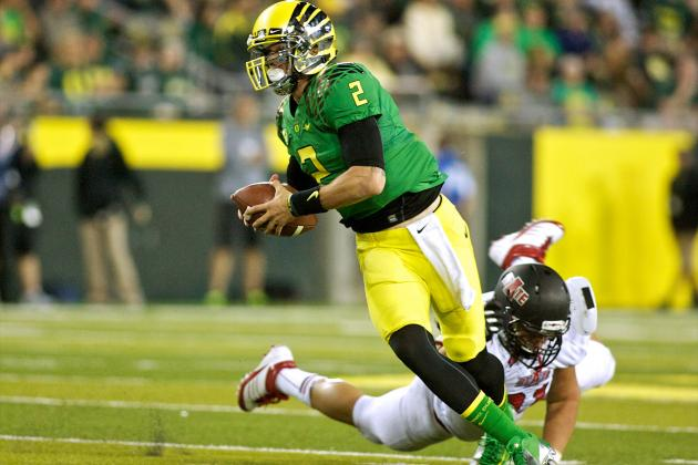 Oregon Backup QB Bryan Bennett Also Taking Practice Reps on Defense