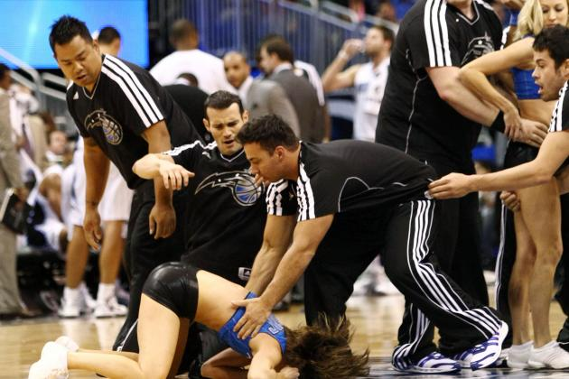 Cheerleader Hurt in Stunt Fall at Magic Game