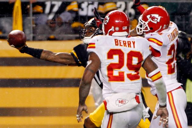 WATCH: Eric Berry Is Really Afraid of Horses