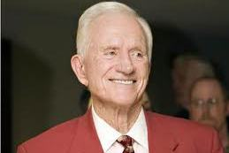 Broyles Statue to Be Dedicated Before LSU Game