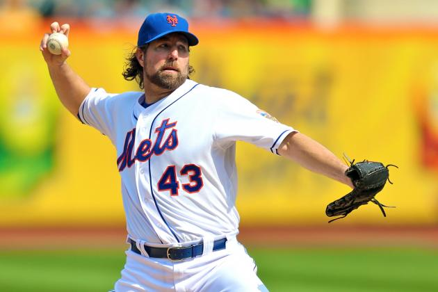 R.A. Dickey Wins NL Cy Young Award After 20-Win Season