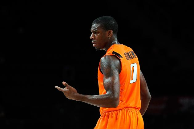 Oklahoma State Win Jéan-Paul Olukemi Leaves Game with Apparent Left Knee Injury