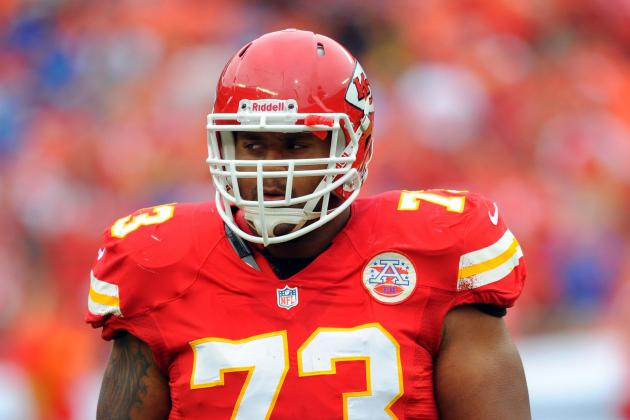 Chiefs OL Jon Asamoah Has Surgery on Thumb