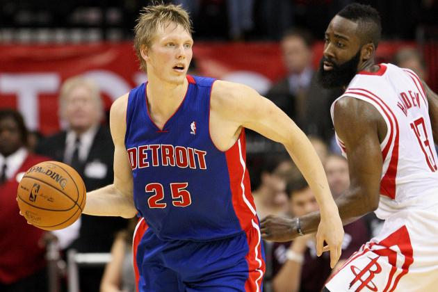 Why the Detroit Pistons Need to Leave Kyle Singler in the Starting Lineup