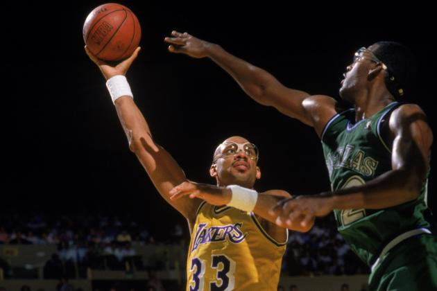 Kareem Abdul-Jabbar Statue Is Perfect Tribute for Deserving Laker